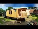 Holz  Zirkuswagen / Caravanes de la fusta