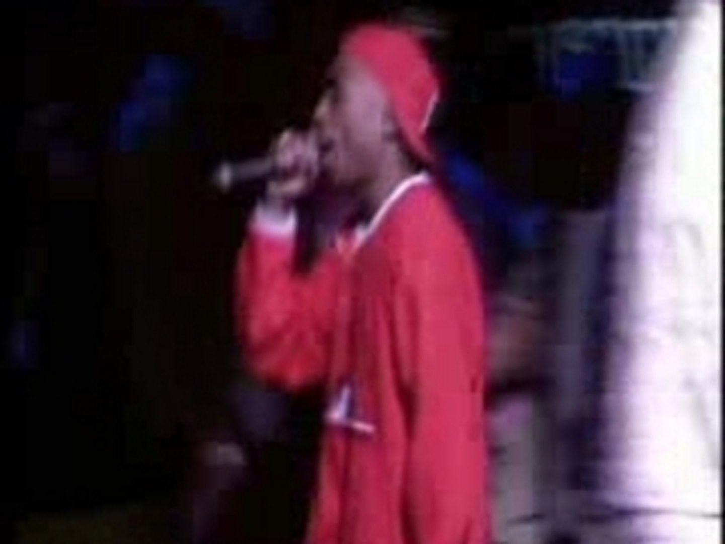 Tupac Out On Bail live in 1994  (Source awards)