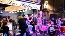 """L'ancien Batteur du """"groupe Trust"""" défonce un seau à Champagne et fait son Show Carpentras 2015 HD"""