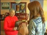 Una organización entrega pelucas a personas con cáncer