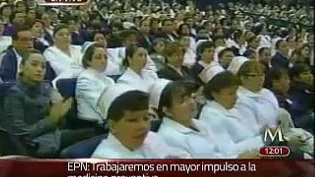 EPN reconoce labor en la Ceremonia del Día de las enfermeras