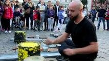 Batteur de rue impressionnant - Musique dance sans se brancher!