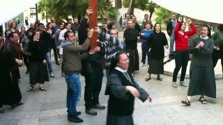 Tu Sĩ Nhảy Flash Mob Cực Vui Nhộn