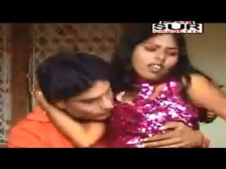 Dhire Dhire Dali | New Bhojpuri Hot Songs | Sur Entertainment | Sexy