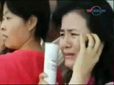 Camera Crew Captures Quake Terror at Chengdu Airport