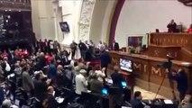 Pelea entre diputados en la Asamblea Nacional de Venezuela!!!