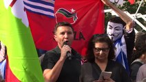 Pour le NON avec les Grecs - la dette est illégale, illégitime et odieuse!