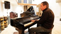 Jools Holland explores the Yamaha CVP-609 Clavinova