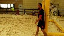 30/06/15 : Mickaël Pagis pulvérise le but de beach
