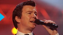 Rick Astley Covers ''Uptown Funk'' At The Let's Rock London Festival