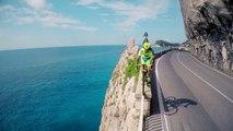 Les incroyables figures freestyle de Vittorio Brumotti avec son vélo de course