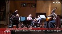 Orķestris un Čaplina filmas Operā