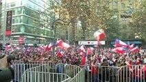 Cientos de chilenos festejaron en las calles de Santiago el triunfo ante España