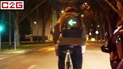 Vélo : un sac à dos avec clignotant intégré