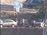 Traficantes mostram armas no morro da Mineira