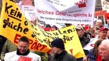 Tarifrunde 2013: Warnstreik in Duisburg am 28. Februar