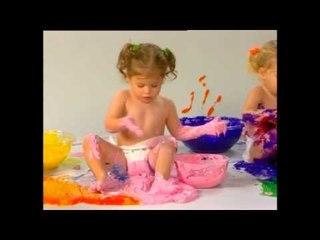 E.Q. Baby - ילדים משחקים ונמרחים בצבעי גוף - Body paint babies?