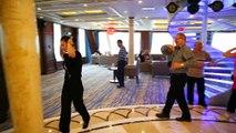 Dancing class on Yangtze Gold 8 - Vacances Sinorama Voyages Travel Holidays