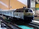 Diesellok BR 215 von ESU mit Sound und Dampf
