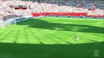 Carli Lloyd marque un but du milieu de terrain en finale de