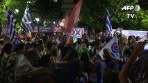 Athènes fête la victoire du non, Tsipras prêt aux négociations