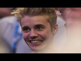 Top 10 Worst Moments of Justin Bieber - Ignoring Fans, Fighting With Papz & More