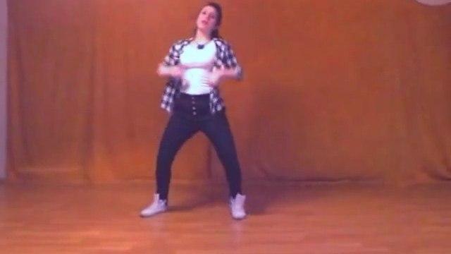 Beautiful Girl Elif Khan Dance on Pappi Song