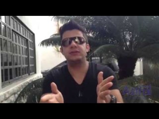 Cristiano Araújo manda um beijo para as leitoras de Guia Astral