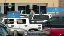 Man Poses as Security Guard and Robs Wal-Mart