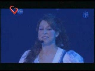 """Floricienta, Canción """"Los Niños No Mueren"""", en vivo"""