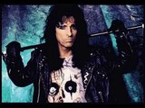 Alice Cooper talks about Tom Waits