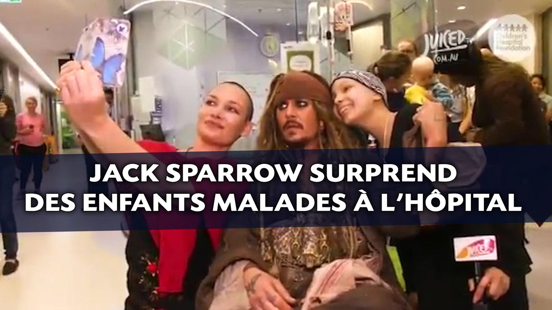 Jack Sparrow surprend des enfants malades à l'hôpital