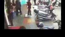 The guy hit a girl in the face and bleeding Le gars a frappé une jeune fille dans le visag