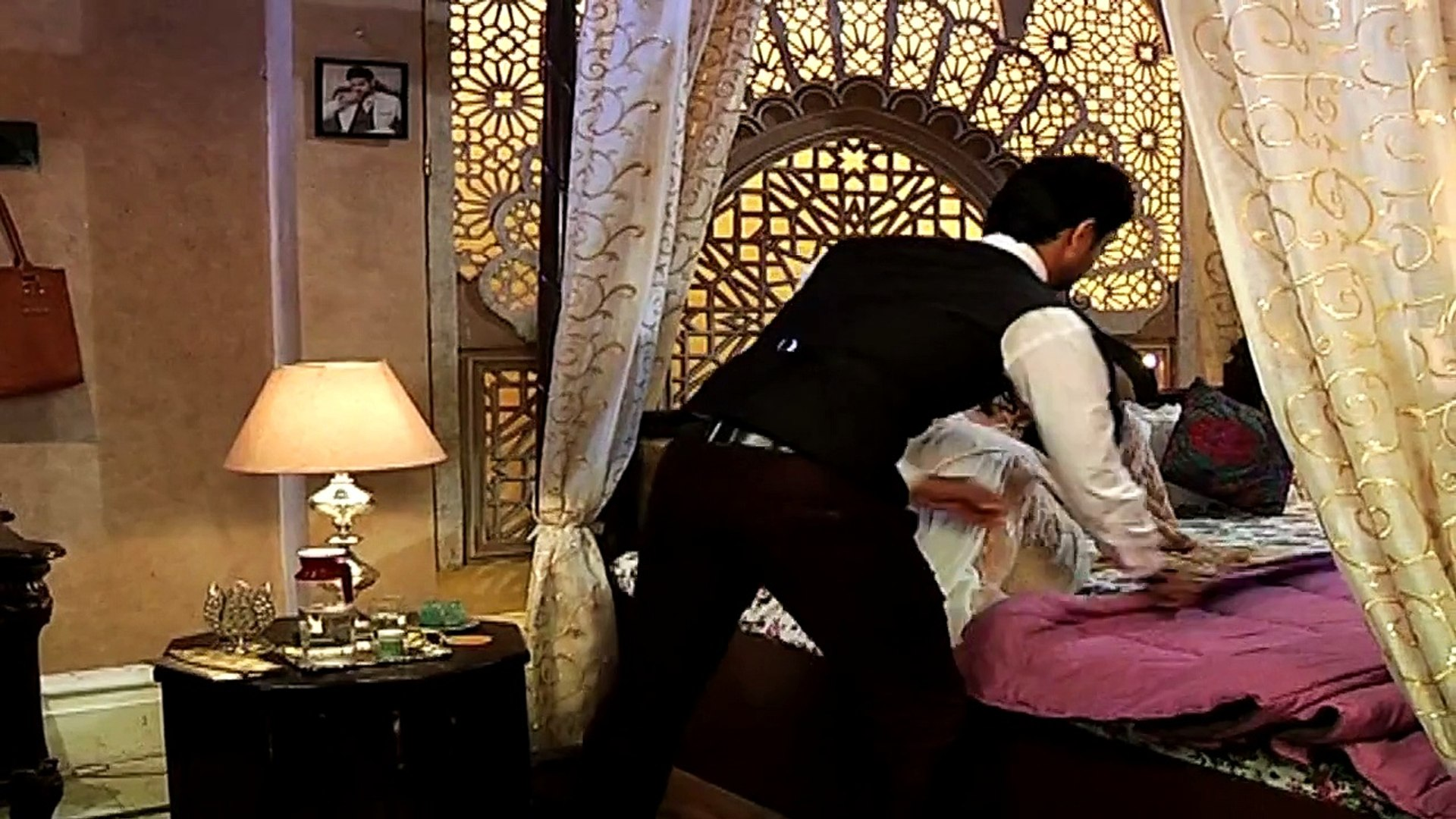 Ranveer and Ishani's hot romantic scene Promo - Meri Aashiqui Tum Se Hi -