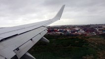 Qantas 737-800 [VH-VYB] landing at Sydney