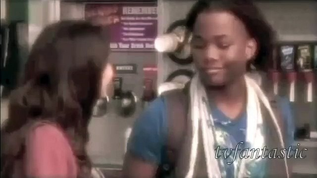 Tori/Andre *Victorious*  - Halo/Walking On Sunshine