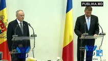 Klaus Iohannis - Rămânem cel mai sincer și mai apropiat partener al R. Moldova. R. Moldova poate conta, ca și până acum, pe sprijinul României. Vă asigur că veți găsi mereu în România un susținător ferm, activ și de încredere.