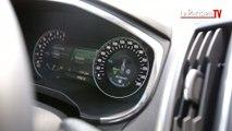 La vitesse de cette voiture s'adapte aux panneaux de limitation