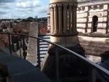 Sur les toits de la cathédrale Saint-Front, la vue de Périgueux est spectaculaire depuis la coursive.