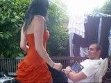 Un gars une fille sur leur terrasse Par Laurie & Geoffrey parodie