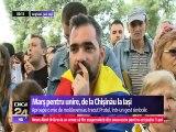 """Podul de Flori și Marșul pentru ReUnire, de la Chișinău la Iași. """"Toți suntem Români, toţi iubim România şi toţi, şi de peste Prut, şi cei de aici, suntem Români, suntem fraţi, suntem aceiași! Bine aţi venit acasă fraţilor! Unire!"""""""