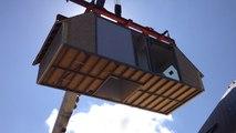 Montage d'un bloc d'une maison modulaire