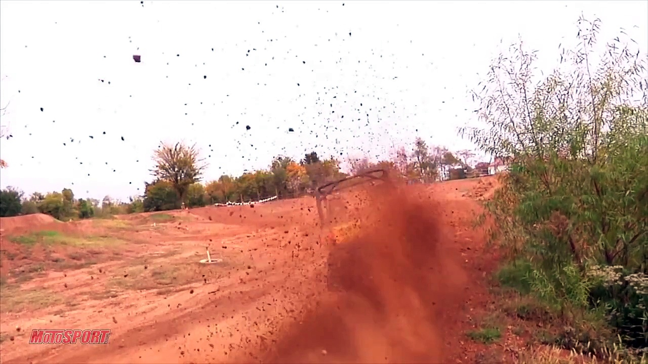 Can-Am Commander 1000X – Motocross Track