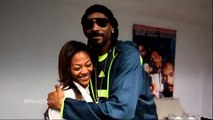 Snoop Dogg awards a UCLA student with the 2014 UNCF Rising Star Scholarship
