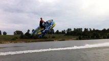 Viral Video UK: Crazy Water Skiing Russian Style