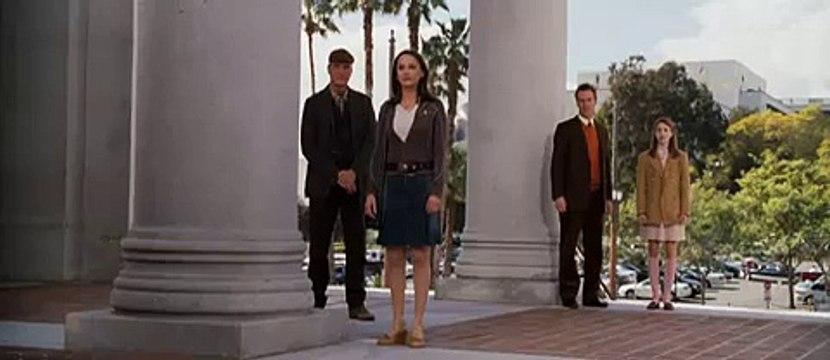 Beautiful Rachael Leigh Cook scene