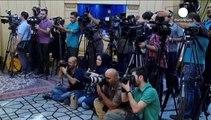 Nucleare iraniano: ministro degli esteri Zarif torna a Teheran. Popolazione festeggia l'accordo