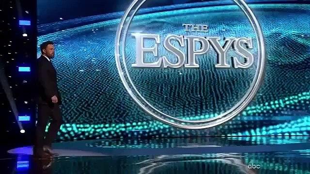 Derek Jeter Wins Icon Award at ESPYS 2015