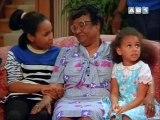 La vie de famille S01 E01 - Devine qui vient diner