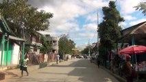 Traversée de Hinche (Haïti) en voiture